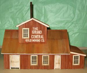 GRAND CENTRAL GOLD MINE O On30 Model Railroad Structure Unptd Wood Kit CM78916