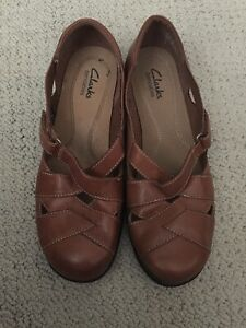Clarks NEW MISMATCH 8 7.5 M Sixty Sonoma Womens Leather Bendable Fisherman Shoes