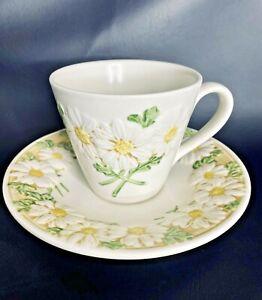 "Metlox Poppytrail Vernon Sculptured Daisy 3"" Cup Mug and Saucer Set 1970s  EUC"