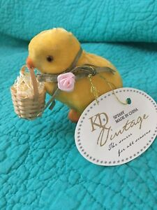 NWT KD VINTAGE Velvet Easter Chick Holding Basket
