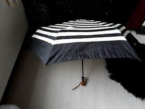 SHEDRAIN automatic open and shut umbrella (black & cream)