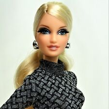 2012 The Barbie Look City Shopper Blonde Black Label Doll