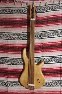 "Bass Fretless 4 String Cherry Minnie Wishbass Short Scale 28"" Piezo Pickup"