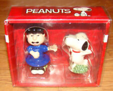 Snoopy Kissing Lucy Salt & Pepper Shakers (Peanuts Stoneware Enesco, 6001032)
