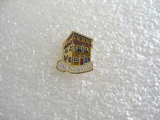 PIN'S VIC SUR SEILLE Hotel de la monnaie PINS PIN VILLAGE MOSELLE U17