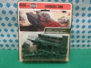 Churchill Tank - Vintage airfix 01304-2 - Made IN England - mint