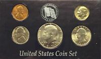 1977  UNCIRCULATED  BIRTH YEAR COINS IN DISPLAY CASE  #124
