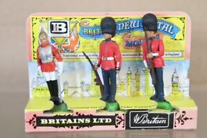 BRITAINS The QUEEN'S HOUSEHOLD LIFEGUARD & SCOTS GUARDS SET nv