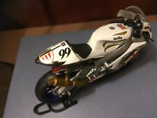 1 X MOTO APRILIA RSV  SOLIDO 1/18 NEUF MOTO de compétition pilote Mc WILLIAMS