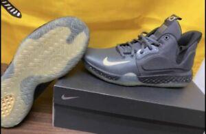 Nike KD Trey 5 VII Dark Gray/Metallic Gold Size 8 Basketball Kevin Durant *NEW*