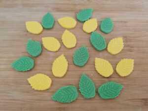 Edible Icing Leaves Cake decoration 20 pcs