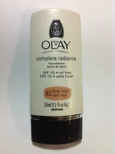 Oil of Olay Complete Radiance Foundation SPF 15 Oil Free Deep Honey #82 NEW.
