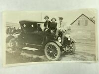 1920's Model T Ford Car with Teenagers Sitting on Hood Posing for Pic Real Photo