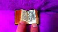 MINIATURA, LA BIBLIA Y LIBRO MAS PEQUEÑO DEL MUNDO DE IMPRENTA TRADICIONAL 1727