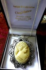 PENDANT/BROOCH silver filigree framed glass  colour ivory  cameo circa 1940 -