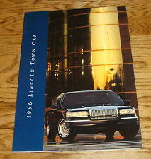 Original 1996 Lincoln Town Car Deluxe Sales Brochure 96