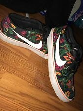 Nike floral men size 9
