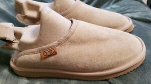 EMU  Ridge Australia wool and suede mules slippers size 8 Beige NWOT