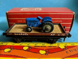 Hornby Dublo 4649 low-sided wagon with blue Dinky Toys tractor 2/3 rail BOXED