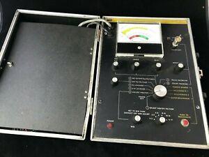 B&K Model 466 CRT Tester/Rejuvenator with adapters and documentation