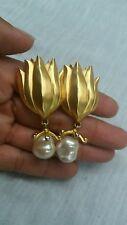 Vtg  Statement KL Karl Legerfeld faux pearl gold tone clip on earrings