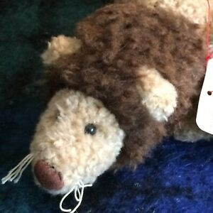 Boyds Bears Plush Retired Elvis the Lion. 10 inches,  tan w/ brown mane