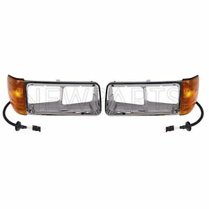 For Freightliner FLD 120 90-96 Left & Right Heavy Duty Headlight Bezels Dorman