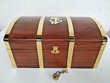 Superbe coffre a trésor du capitaine en bois et laiton neuf longueur 26 cm
