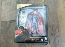 Batman v Superman: Dawn of Justice MAFEX Superman Action Figure 018 Damage Box