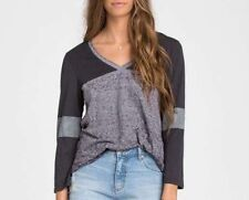 NWT WOMENS BILLABONG MOONLIT NIGHTS GRAY & BLACK V-NECK TOP SHIRT TEE S SMALL