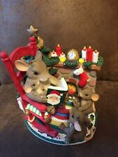 Charming Tails figurine Fitz Floyd mouse anthropomorphic Christmas Family Time