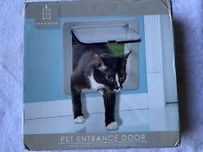 Den Haven: Cat Entrance Door