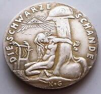 LARGE MEDAL DIE SCHWARZE SCHANDE 1920 / GERMANY / WW I / EXONUMIA TOKEN Gift