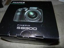 open Fujifilm FinePix s8300 16.2MP Digital Camera 42x fine pix fuji film s 8300