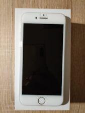 Apple iPhone 7 - 128 Go - Argent -  + 3 coques de protection, dont 2 étanches