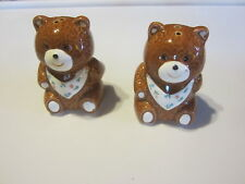 SET OF TEDDY BEAR SALT & PEPPER SHAKERS BROWN AND WHITE WITH BLUE & GREEN FLOWER