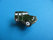 Old Style LAND ROVER Lapel Pin Badge,  Green.