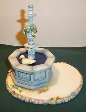 The Town Square Goebel 2002 #1070-D Music Box Excellent Condition