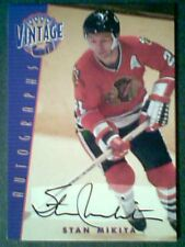 STAN MIKITA  CHICAGO BLACKHAWKS AUTHENTIC VINTAGE AUTOGRAPH /40  SP