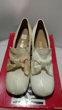 Vintage  FRONT ROW 70's White Patent Leather Dress Pump Size 6 1/2 AA