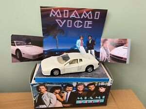 Miami Vice Crocketts Ferrari  Testarossa Code 3