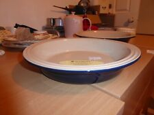 BNWT Le Creuset baking dish Navy Blue round