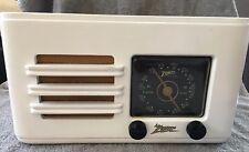 Antique Zenith Wood Tube Radio, Model 5D2611W, Very Good Condition