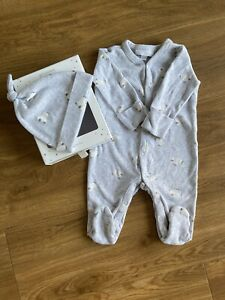 The Little White Company Baby Gift Set Sleepsuit & Hat Unisex 3-6 M Baby Grow