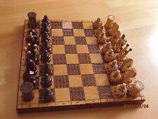 Sehr edles Schachspiel aus Holz 40 x 40 cm Handarbeit- klappb. Brett+Figuren kpl