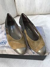 USED BROWN TAN KENNEL AND SCHMENGER LOW SUEDE LEATHER COURT SHOE SIZE 4 REVIVAL