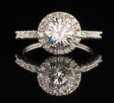 Real 14Kt White Gold 2.40Ct Round Shape Solitaire With Accents Engagement Ring