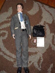 Fashion Insider Silkstone Ken Fashion Model Barbie Doll Gift Set 2002 complete