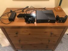 Microsoft Xbox 360 S W/ Kinect 250Gb Black Console With 3 games 2 controllers
