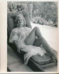 GRETA THYSSEN Original 1950s 8 x 10 Sexy Buxom Photo Sheer Nightie Outside